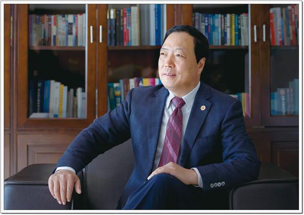 tk天士力控股集团董事局主席闫希军1.jpg